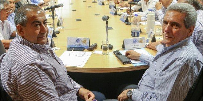 zzzznacp2NOTICIAS ARGENTINAS BAIRES, NOVIEMBRE 8: Los secretarios generales de la CGT, Hector Daer y Carlos Acuña encabezan la reunion del consejo directivo de la central obrera. Foto NA: DANIEL VIDESzzzz